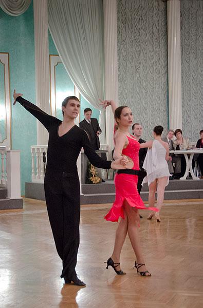 Школа танца для взрослых и детей